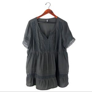 Torrid blouse 1x charcoal gray peasant embroidered